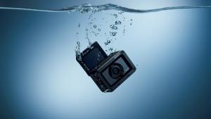 Sony представи RX0 II - най-малкия и най-лек първокласен фотоапарат в света